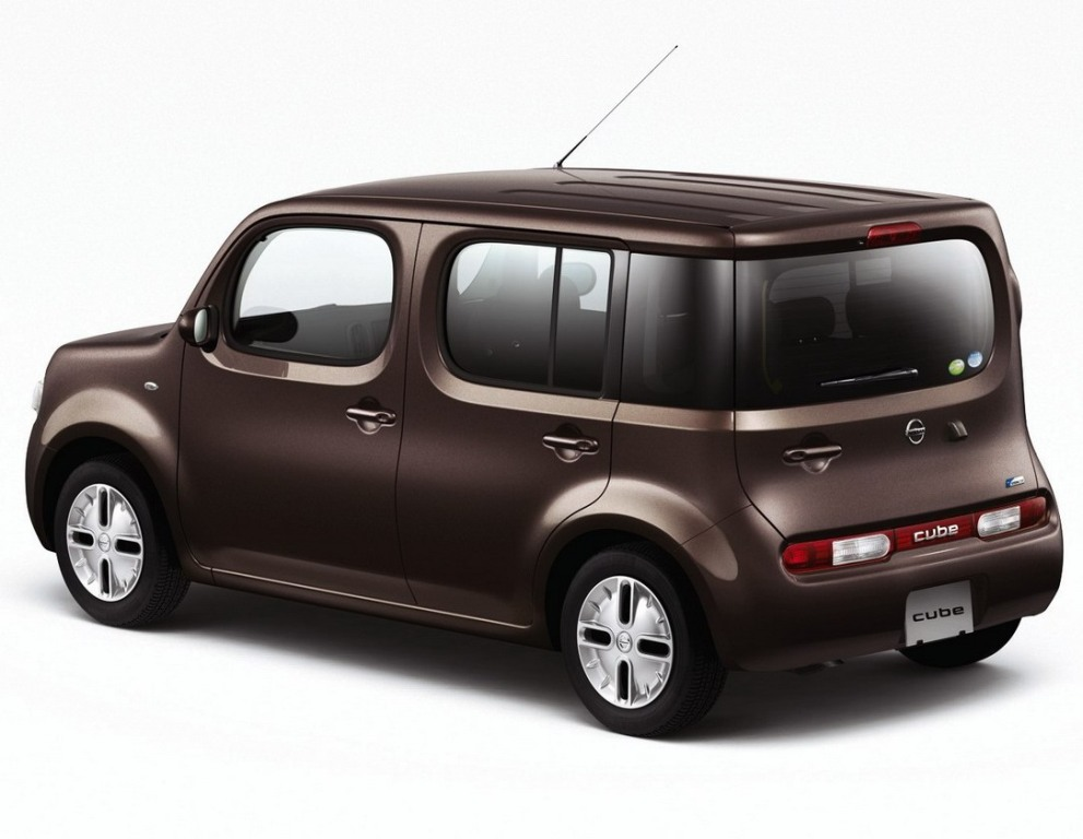 Nissan Cube Back Side View