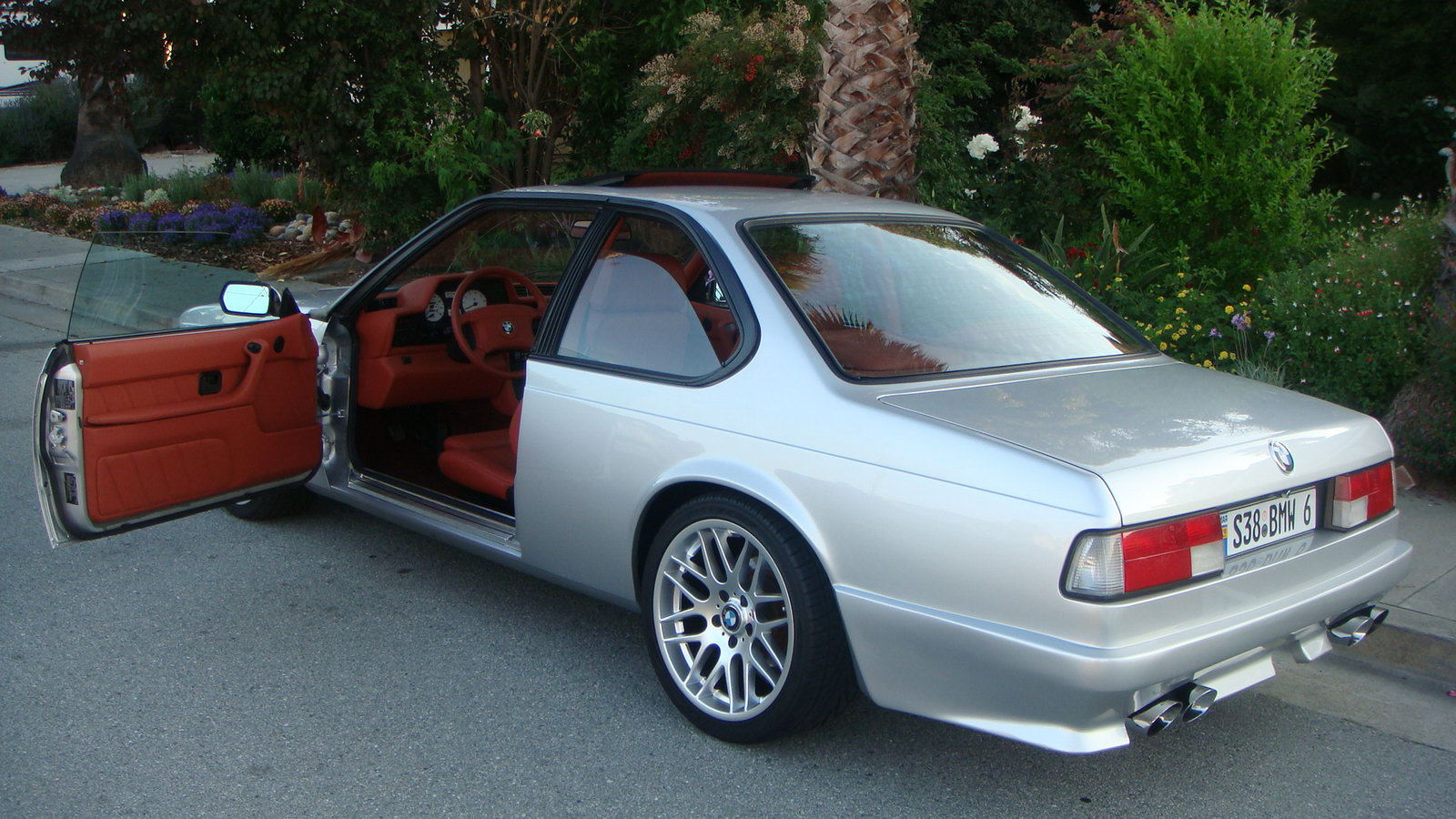 Customized 1988 BMW 6-Series Coupe with M5 Engine: Priced at $250,000!