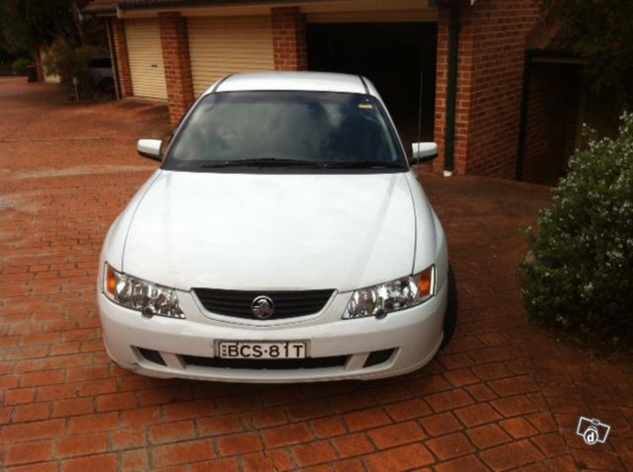 2003 White Holden VY Acclaim+4extra alloy wheels