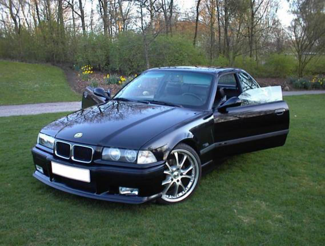 BMW 318 - huge collection of cars, auto news and reviews, car vitals,