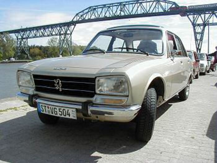 Immaculate after a thourough restoration: 1978 PEUGEOT 504 GL Automatique of