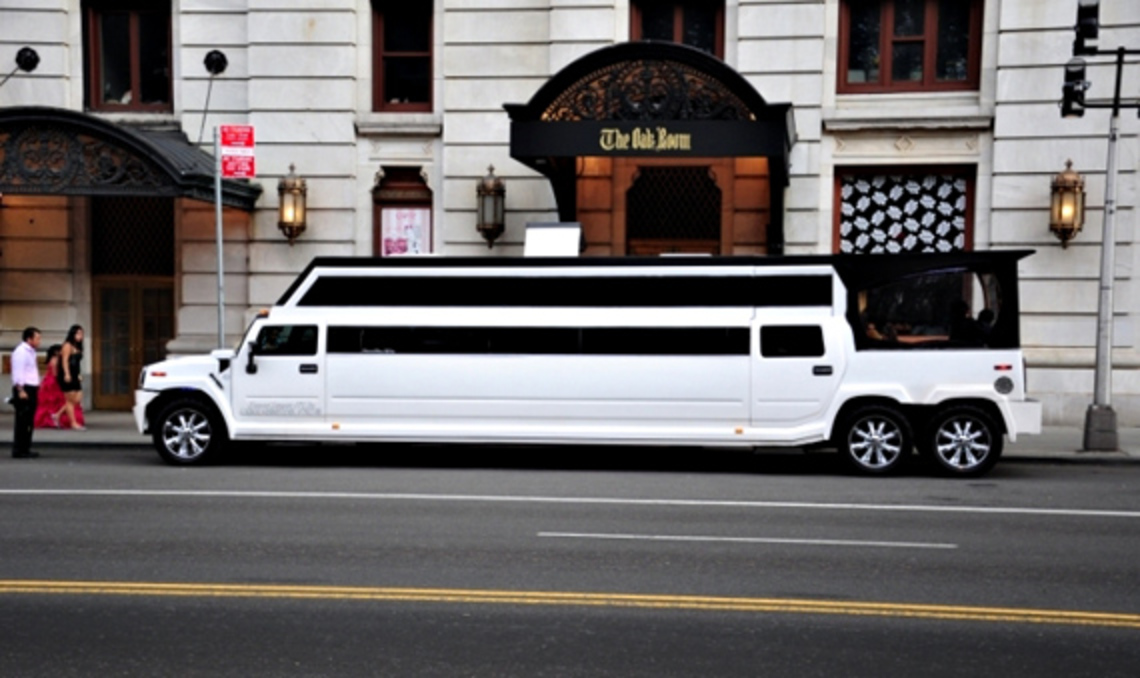 Modified by a rent-a-limo service, this Hummer H2 Limo Transformer is most