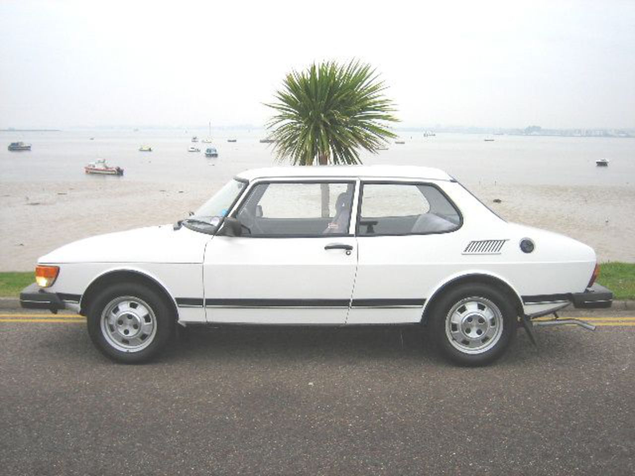 Black & White Cars, Bournemouth - Classic and Performance Cars ...