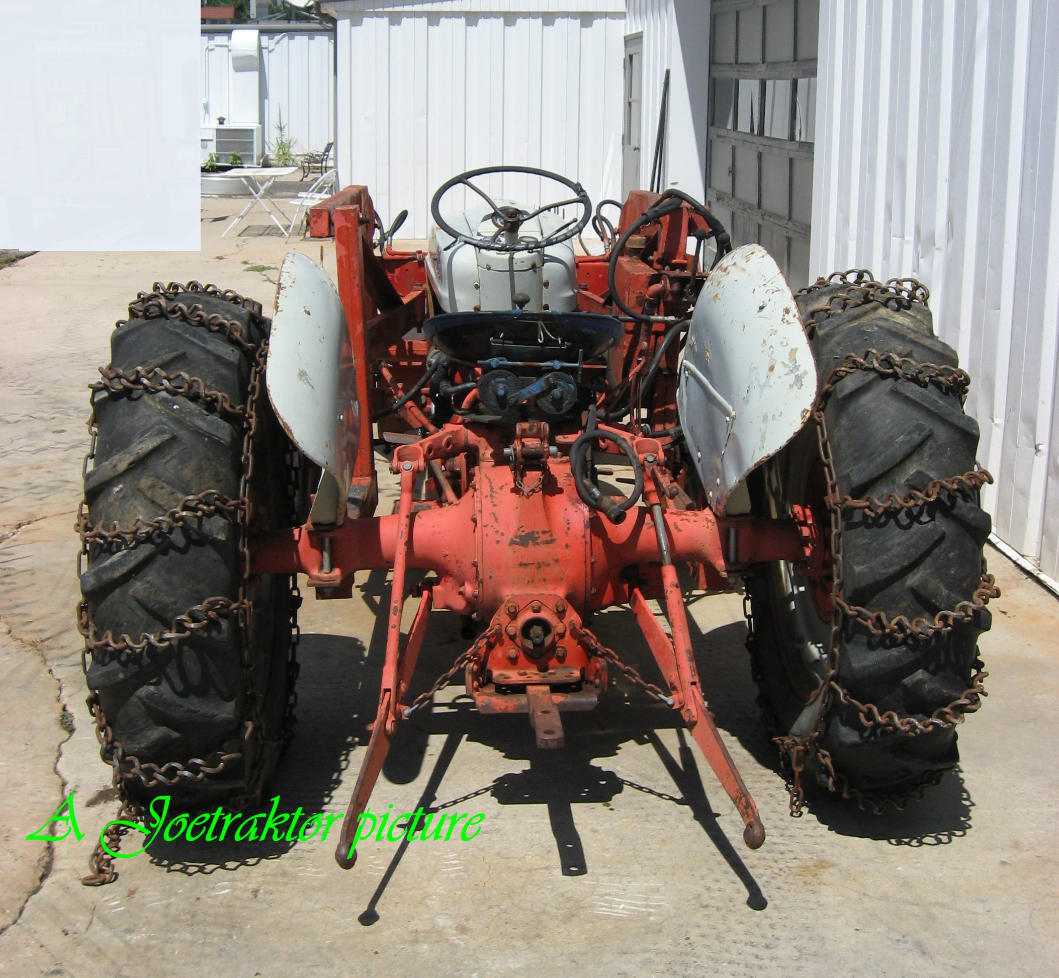 Ford 600 Tractor with Loader! SOLD!