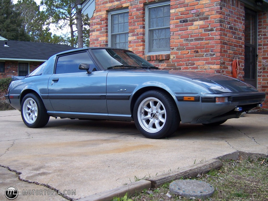 Photo of a 1985 Mazda RX-7 GT-X Turbo (Hotrocket85)