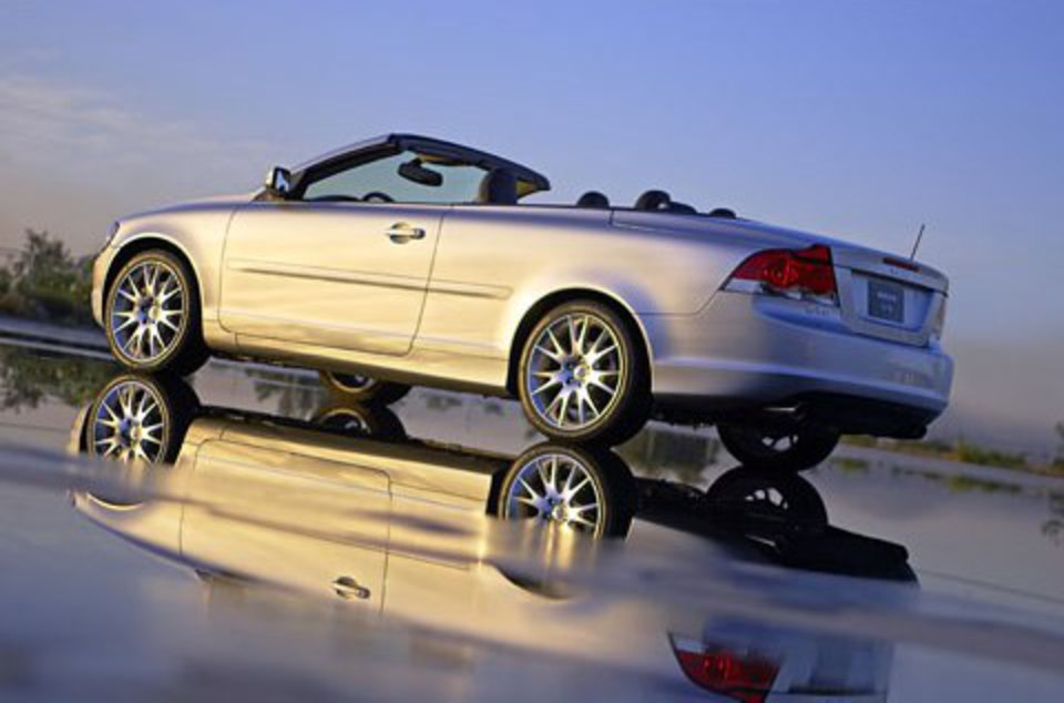 topworldauto photos of volvo c70 t5 photo galleries. Black Bedroom Furniture Sets. Home Design Ideas