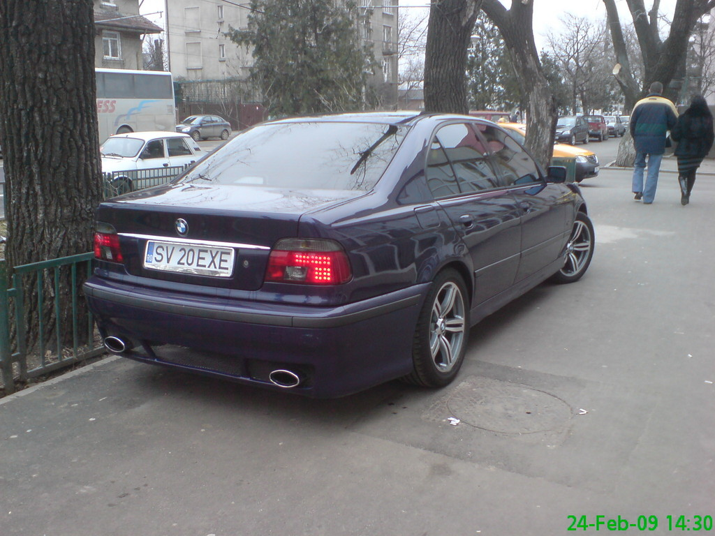 This is my '96 BMW 520i E39. Bought the car from Germany in august '08.