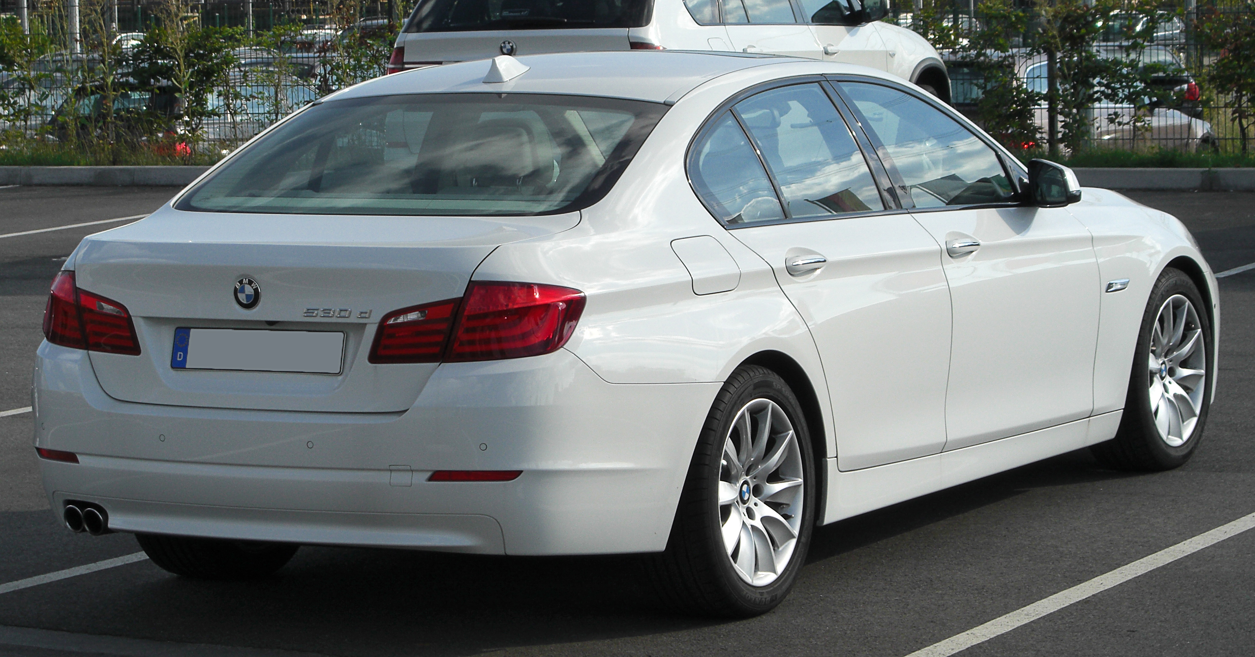File:BMW 530d (F10) rear-1 20100821.jpg