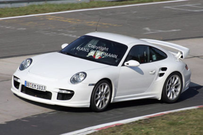 Look at the spy photos of the new 2008 Porsche 911 GT2.