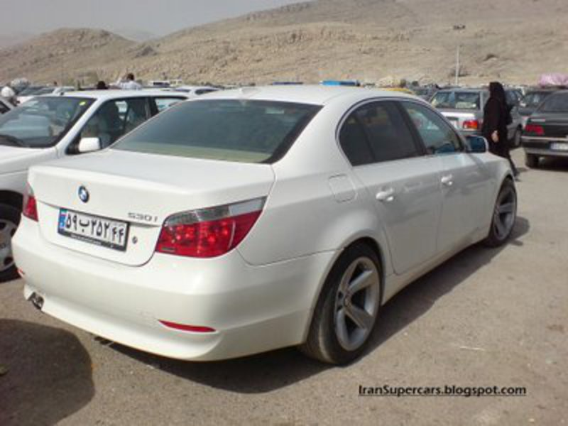 Car: BMW 530i. Posted by Â¿ Ask Y ? at 11:12 PM