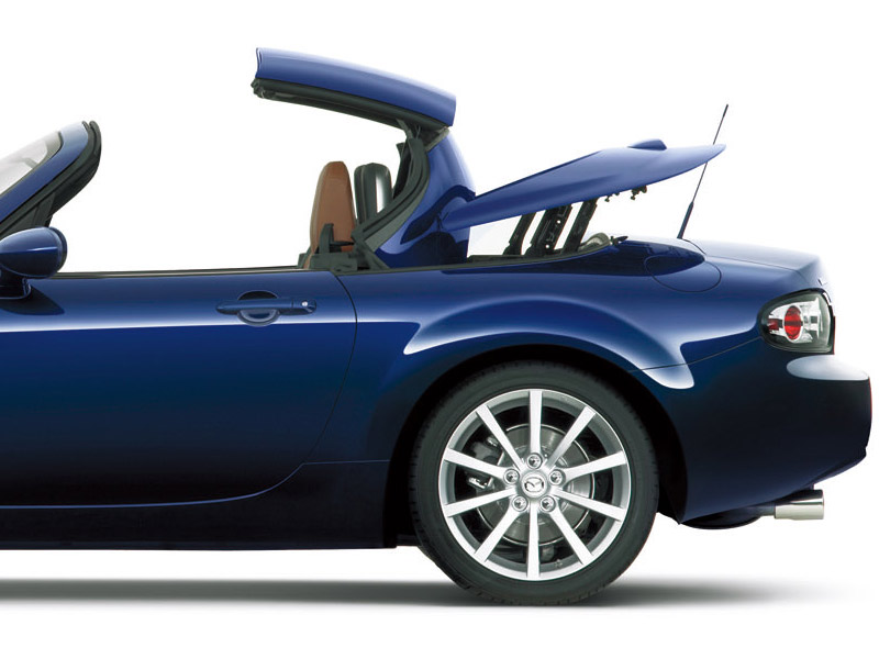2006 Mazda MX-5 Roadster Coupe