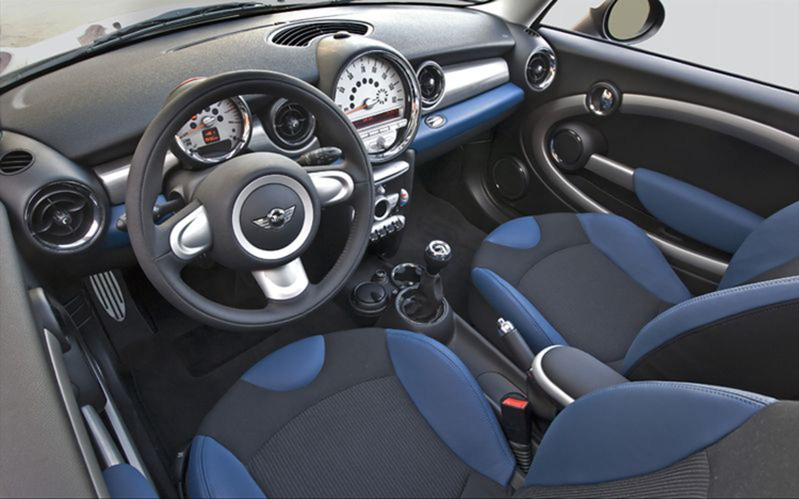 2008 Mini Cooper S Clubman Interior View Photo 5