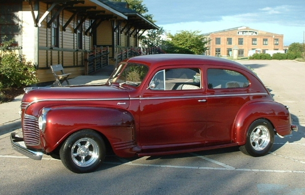 Topworldauto Photos Of Plymouth 2 Dr Sedan Photo Galleries 1941 Deluxe Door View Download Wallpaper 599x383 Comments