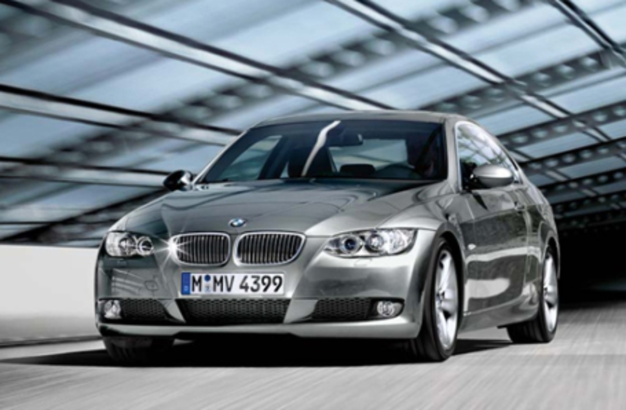 :: BMW 320i COUPE 2009
