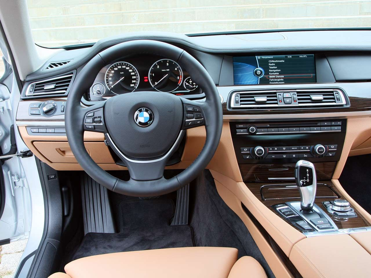 2009 BMW 730d Interior and Exterior Shots