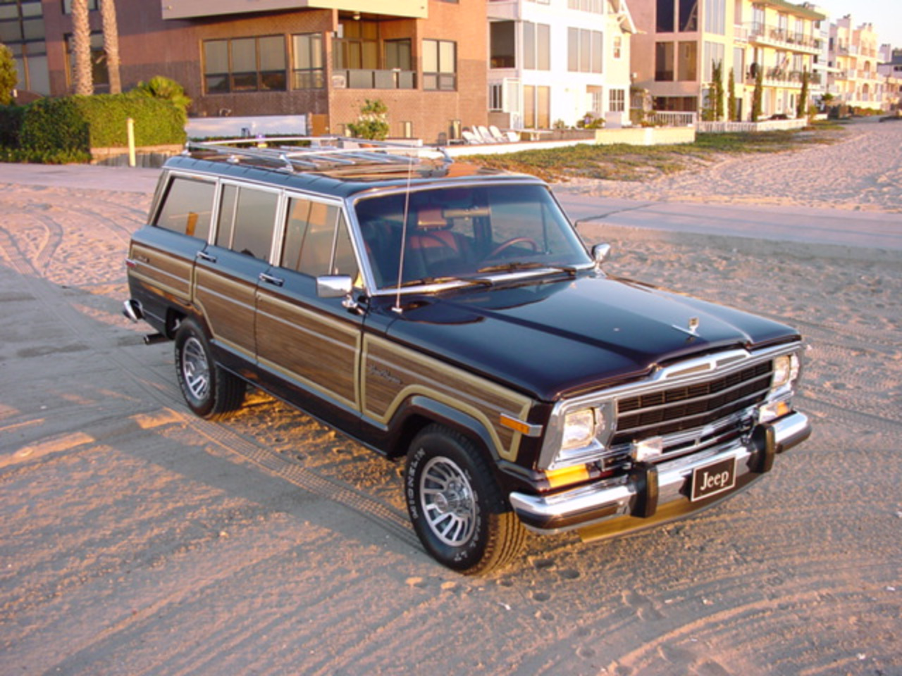 topworldauto photos of jeep wagoneer photo galleries. Black Bedroom Furniture Sets. Home Design Ideas