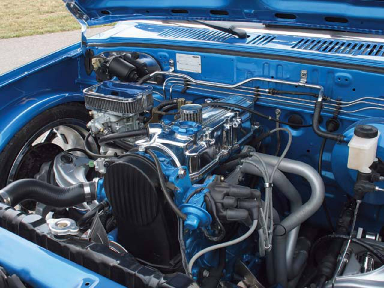 1988 Mazda B2200 Engine Compartment