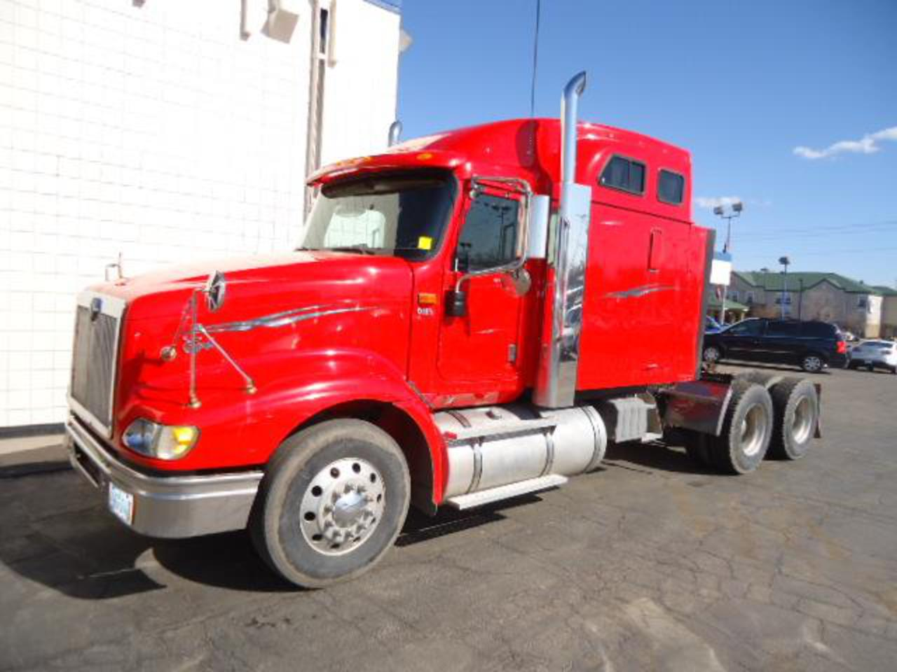 2004 International 9400i EAGLE Lo Pro Sleeper Tractor for sale ...