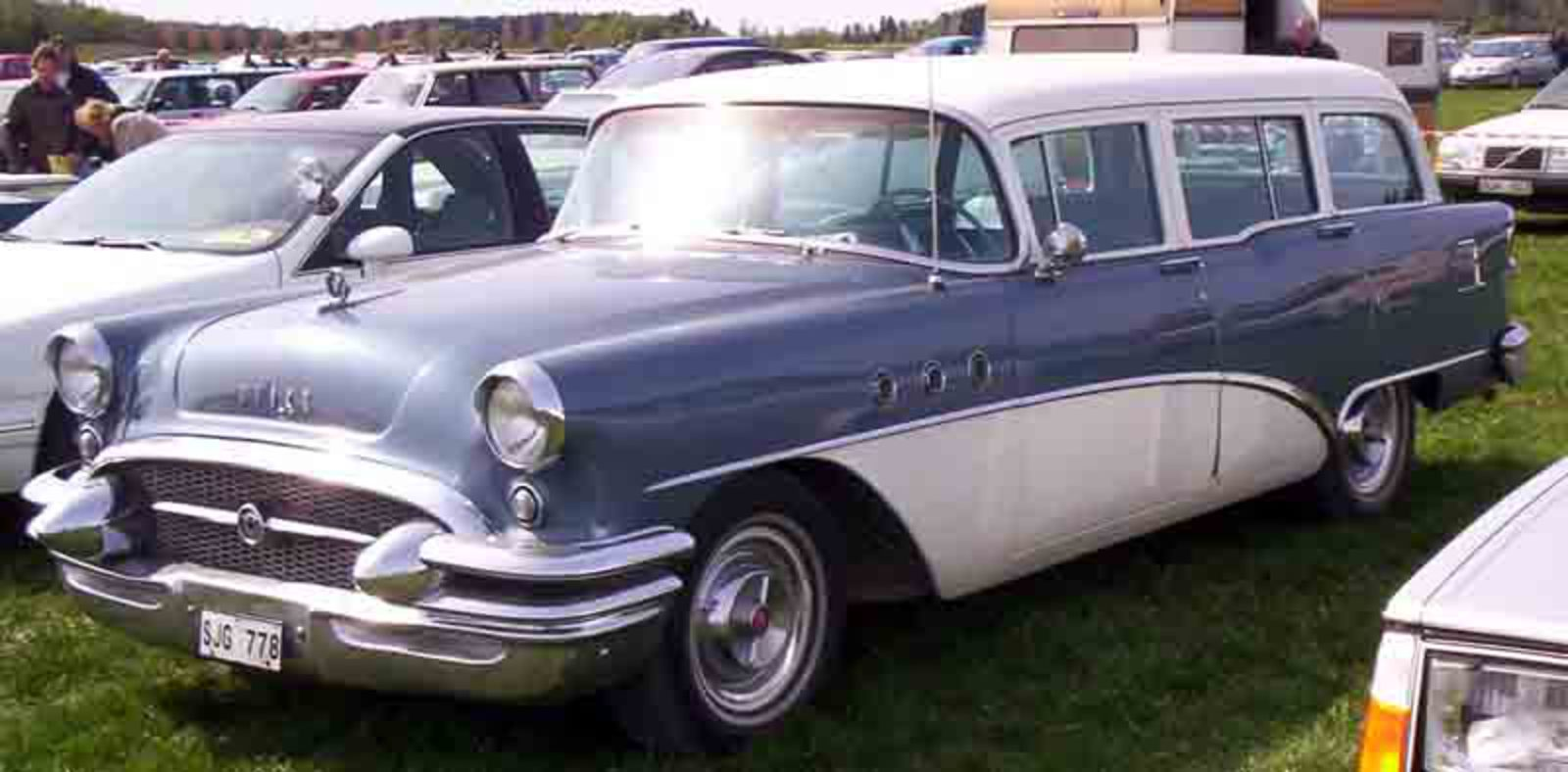 File:Buick Special Station Wagon 1955.jpg. No higher resolution available.