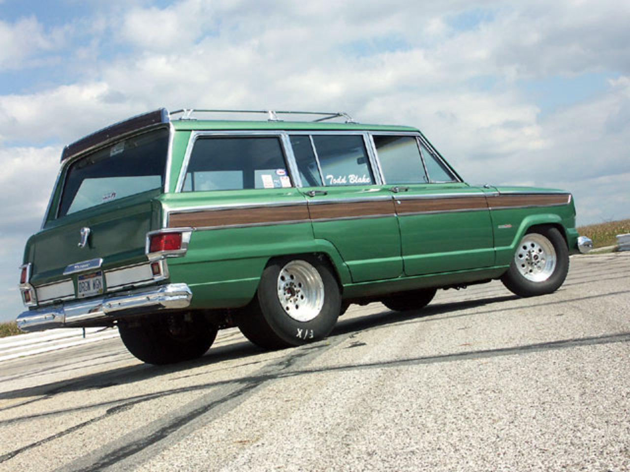 Topworldauto Photos Of Jeep Wagoneer Photo Galleries 73 Wiring Diagram Picture 1973 Exterior