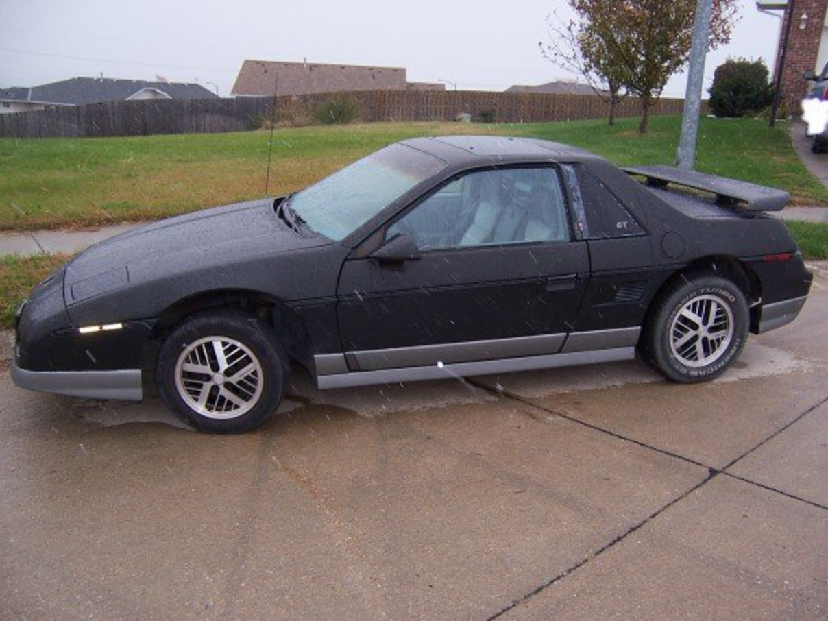 File:1985 Pontiac Fiero GT.jpg. No higher resolution available.