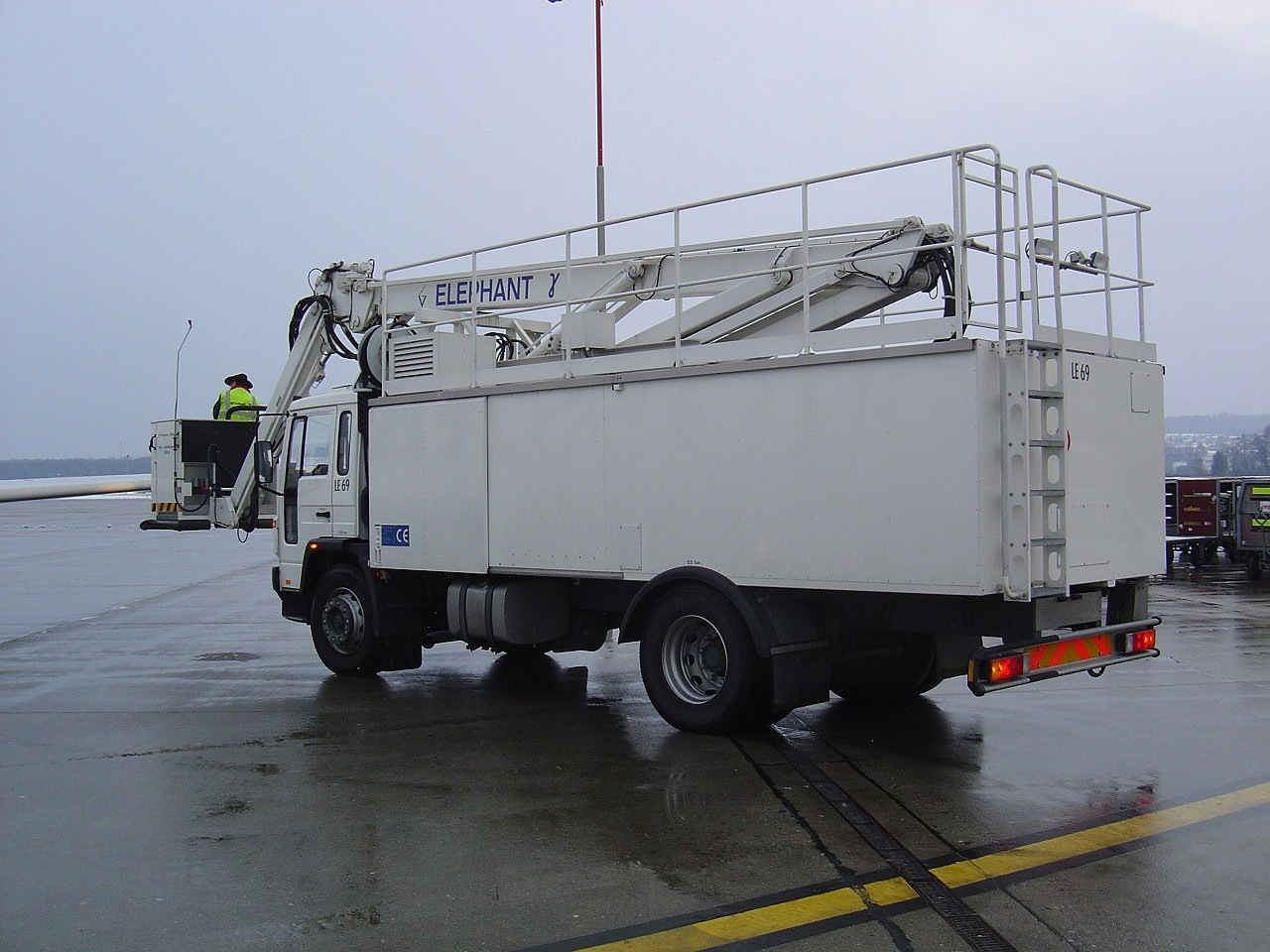 Volvo Elephant De-Icing Truck. View Download Wallpaper. 1280x960. Comments
