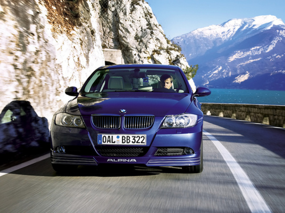BMW 335xi review