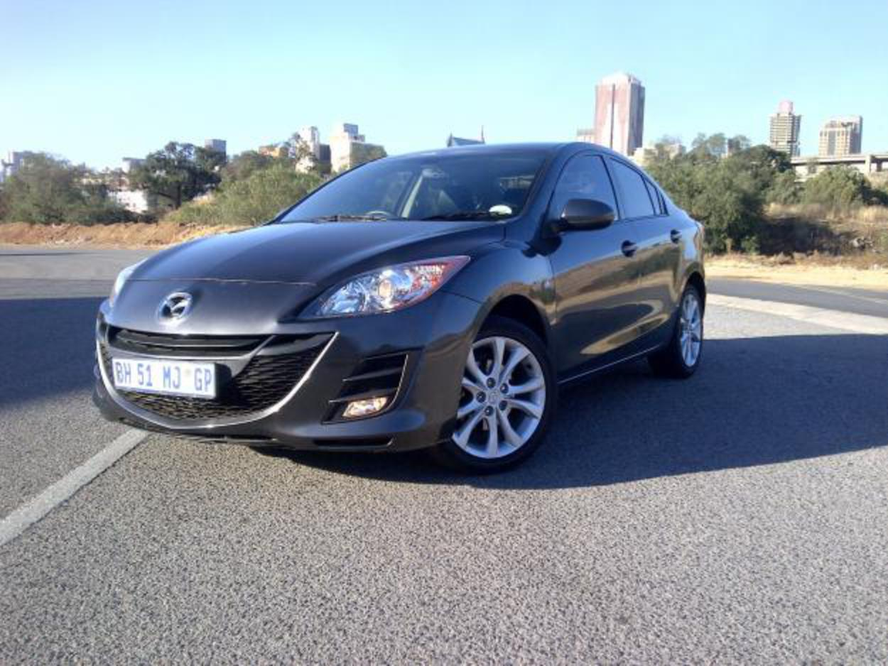 Pictures and Videos. Mazda 3 1 6 Sport Dynamic very clean Kept Car Model