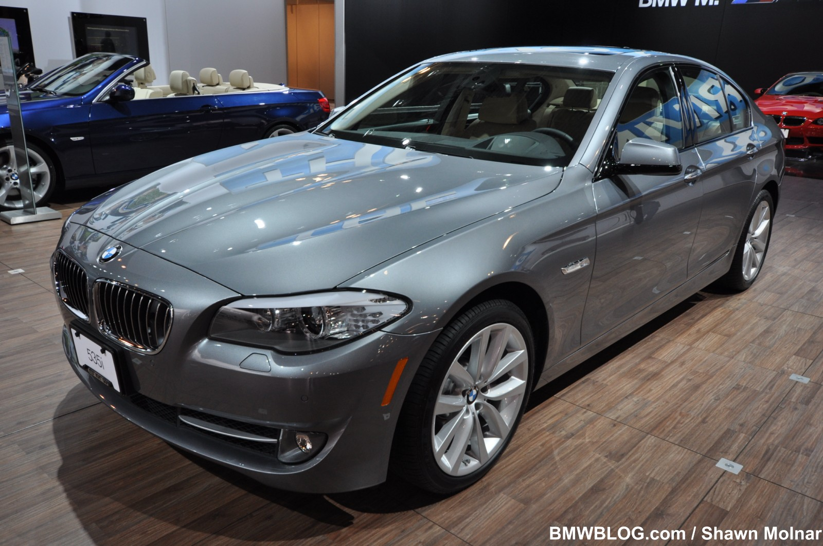 The 2011 BMW 535i runs from 0 to 100 km/h (62 mph) in just 5.9 seconds.