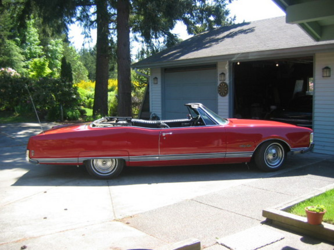 Oldsmobile 98 Convertible - cars catalog, specs, features, photos, videos,