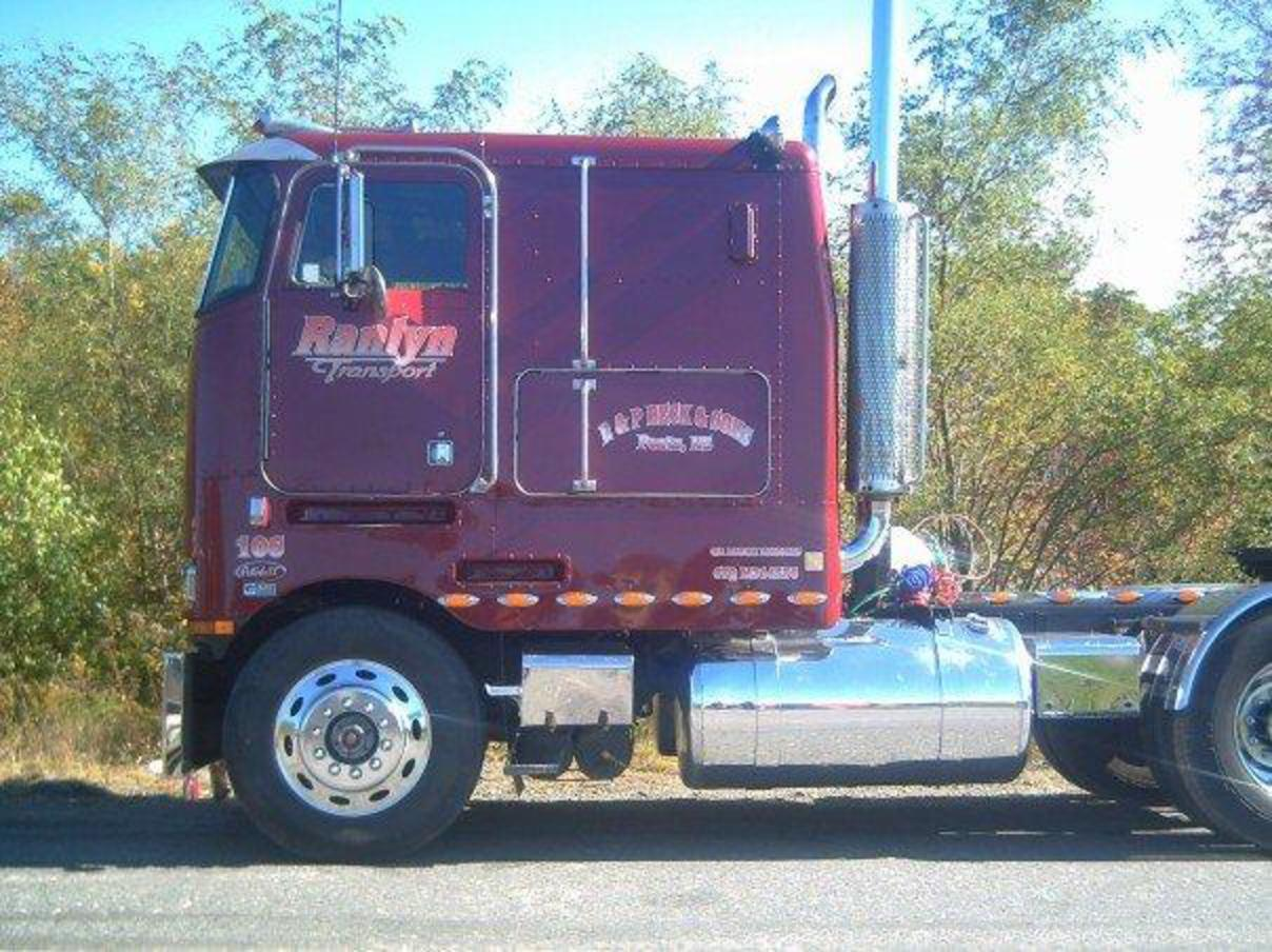TopWorldAuto >> Photos of Peterbilt 362 - photo galleries