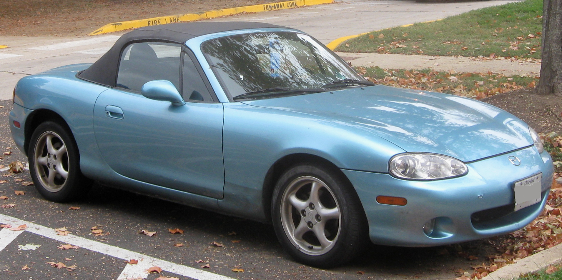 File:2nd Mazda MX-5 Miata.jpg