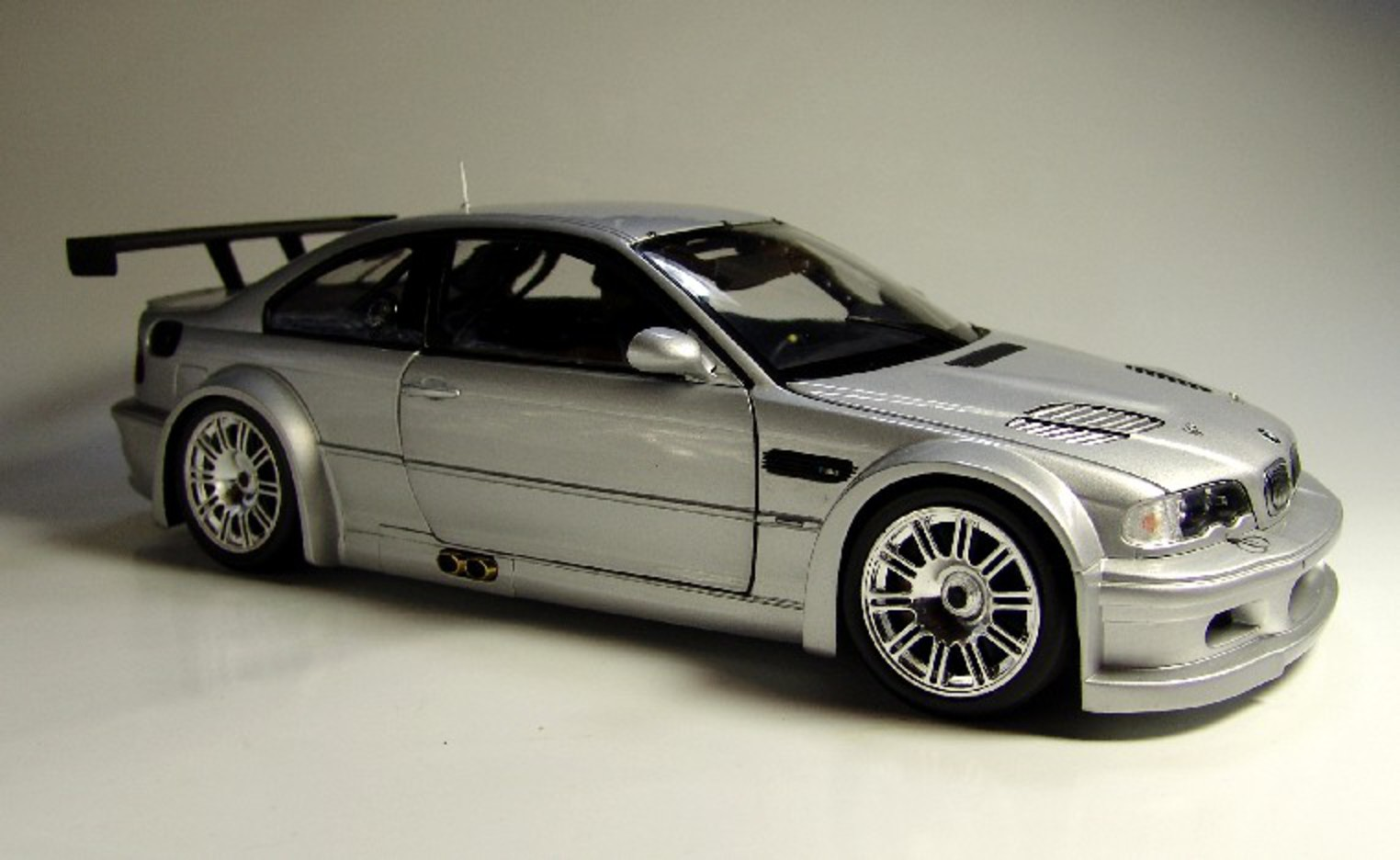 BMW M3 GTR - huge collection of cars, auto news and reviews, car vitals,