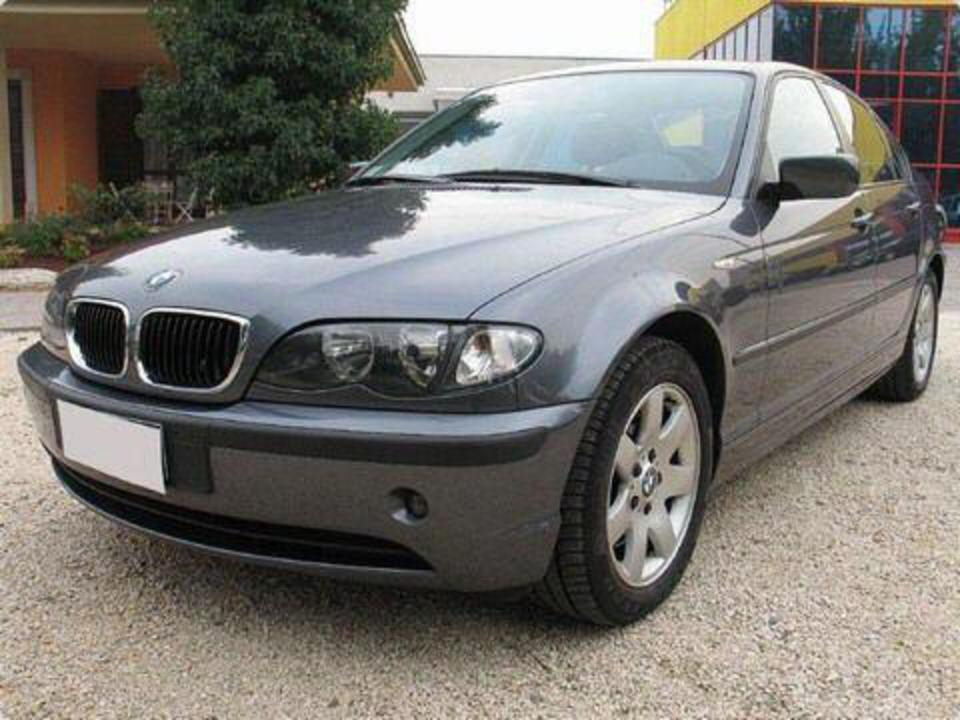 Pictures of BMW 320d EdiTion Lifestyle