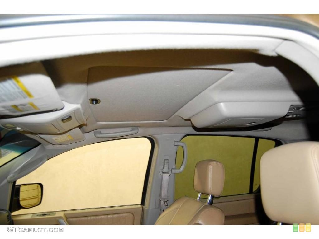2004 Nissan Armada SE 4x4 Sunroof Photos