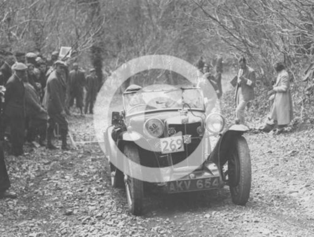 1935 MG PA Midget on the MCC Land's End Trial, 1939.