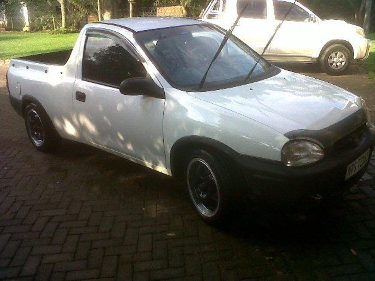 Pictures of Opel corsa pick-up1.4 Good Condition