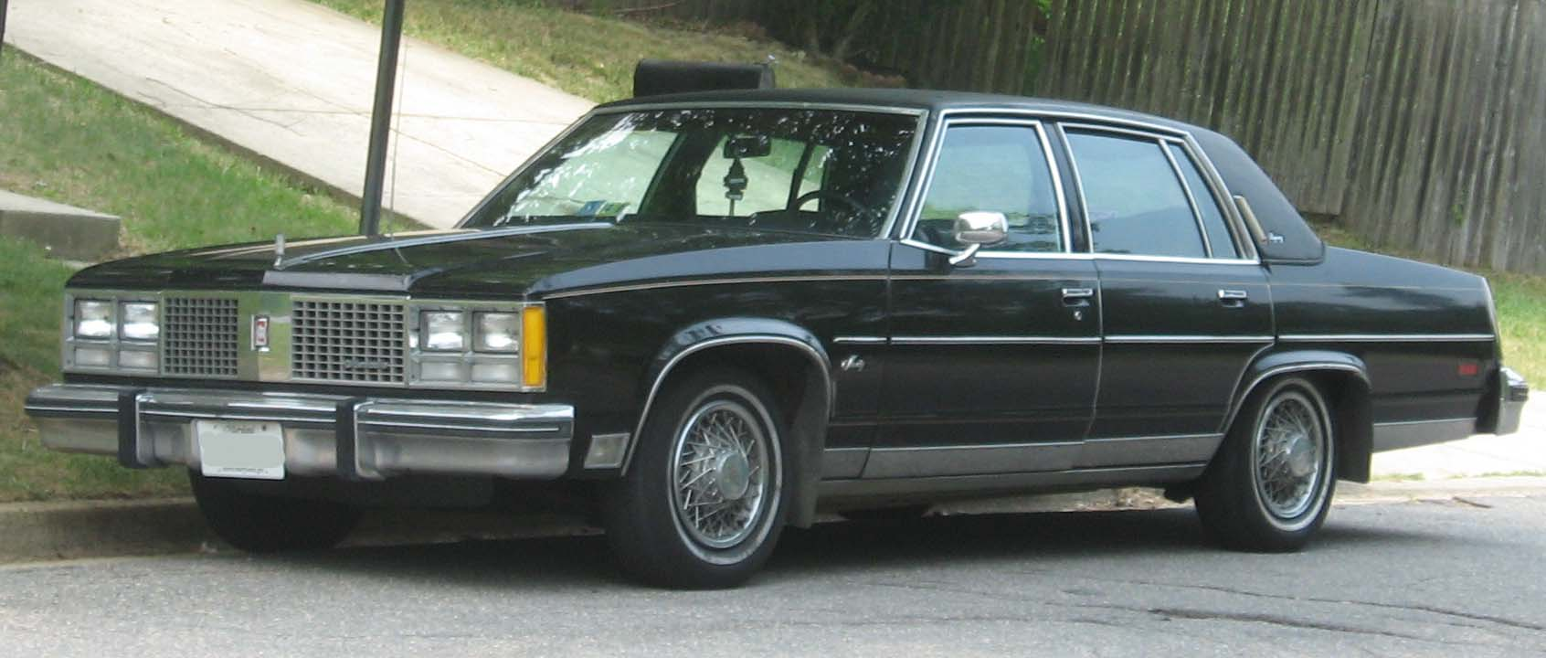 File:1977-79 Oldsmobile 98.jpg
