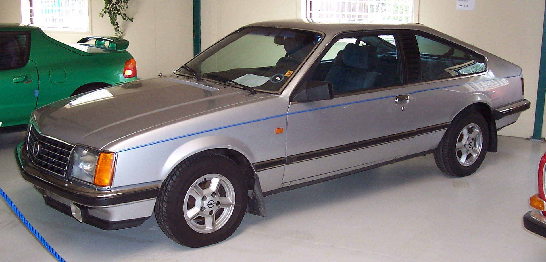 Opel Monza 30 E - huge collection of cars, auto news and reviews,