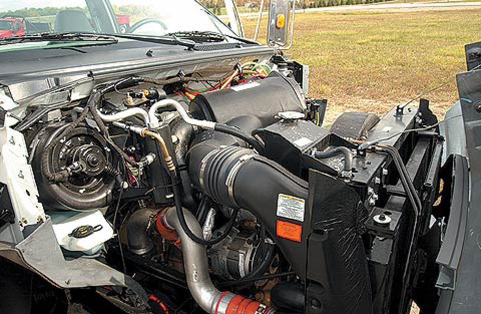2004 Ford F 750 Side Top Engine View