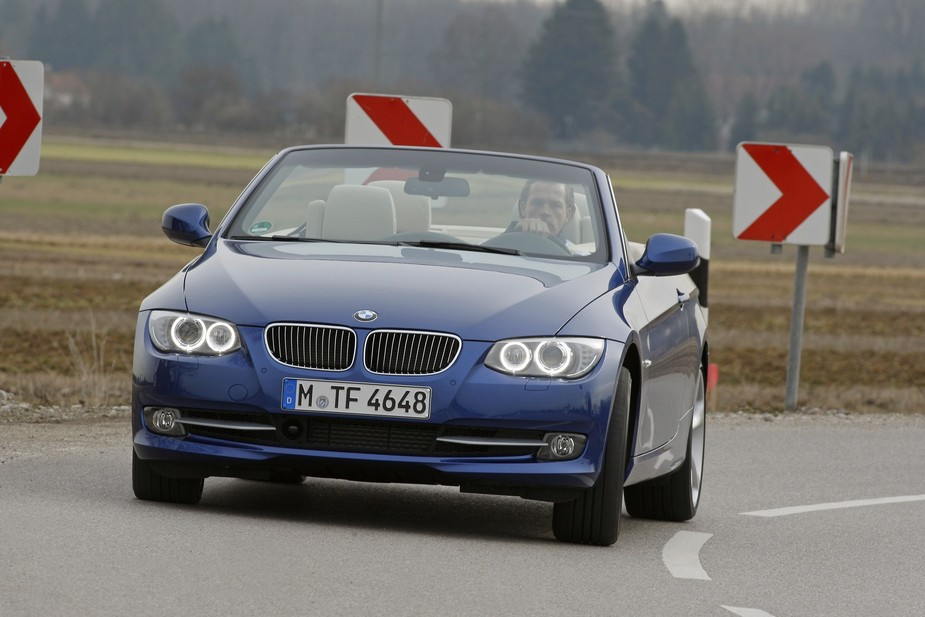 BMW 320d Cabrio Auto (E93) LCI. basic info. spec rating