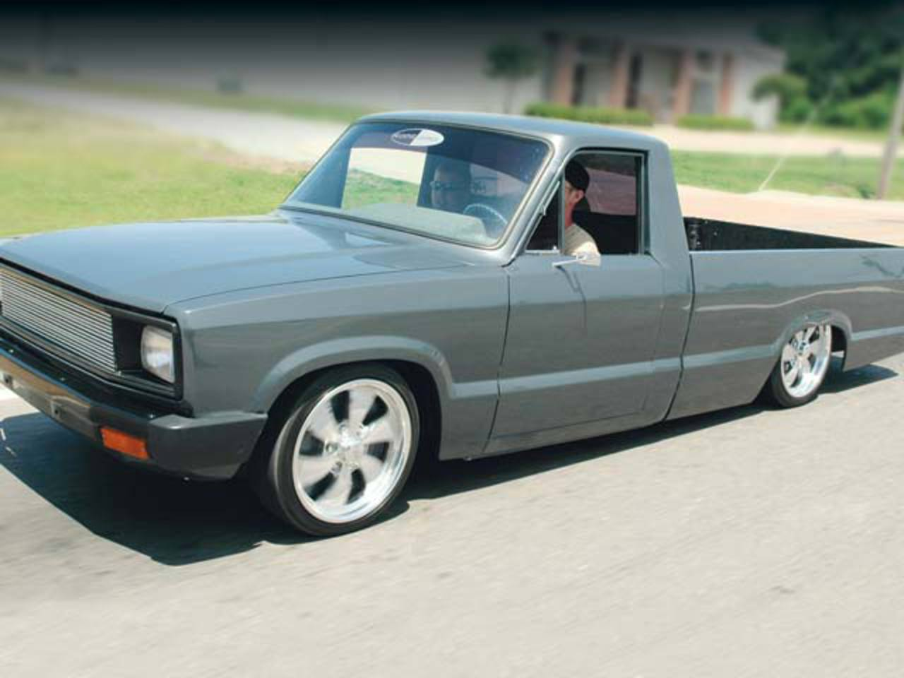 Mazda B2000 - huge collection of cars, auto news and reviews, car vitals,