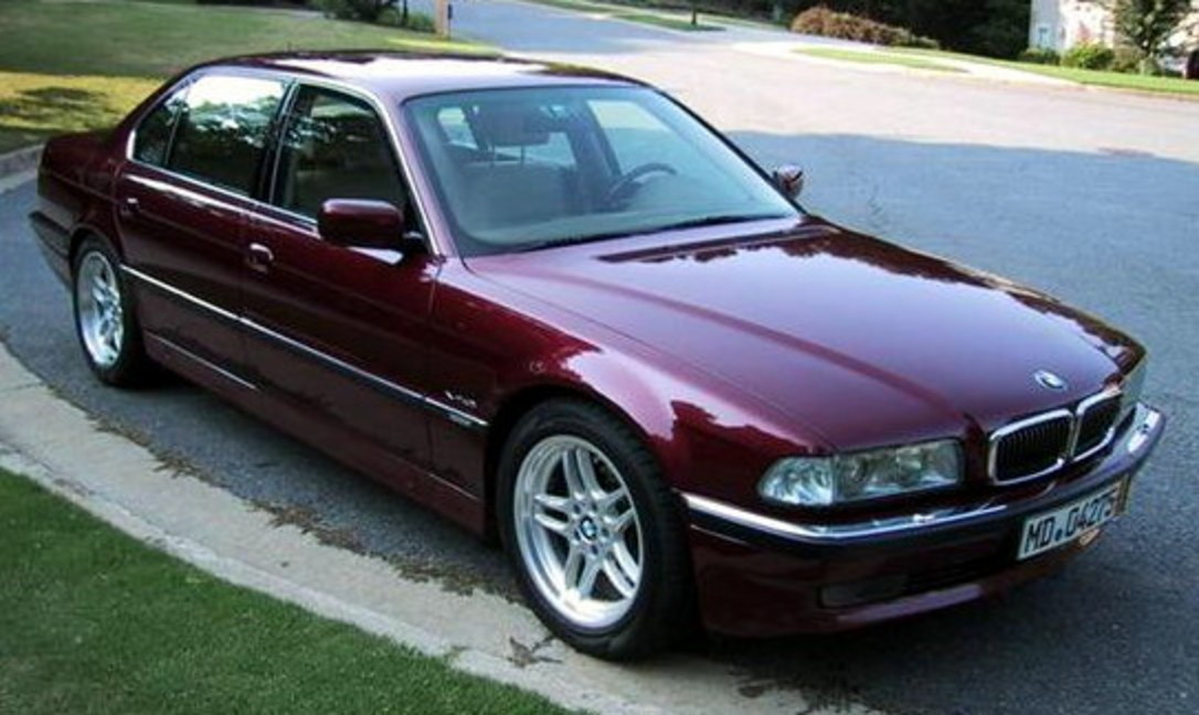 File:BMW 750il.jpg. No higher resolution available.