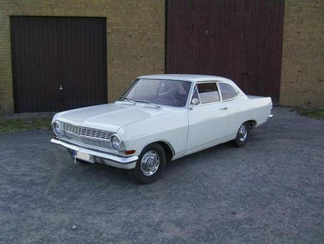 opel rekord 1700 coupe