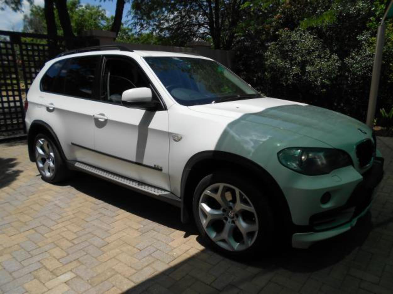 Pictures of BMW X5 30d sport. R317,500. Price. 127,000 Kms