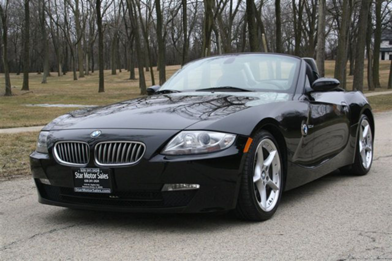 2007 BMW Z4 30SI ROADSTER LOW MILES HE This 2007 BMW Z4 2dr 30si Roadster