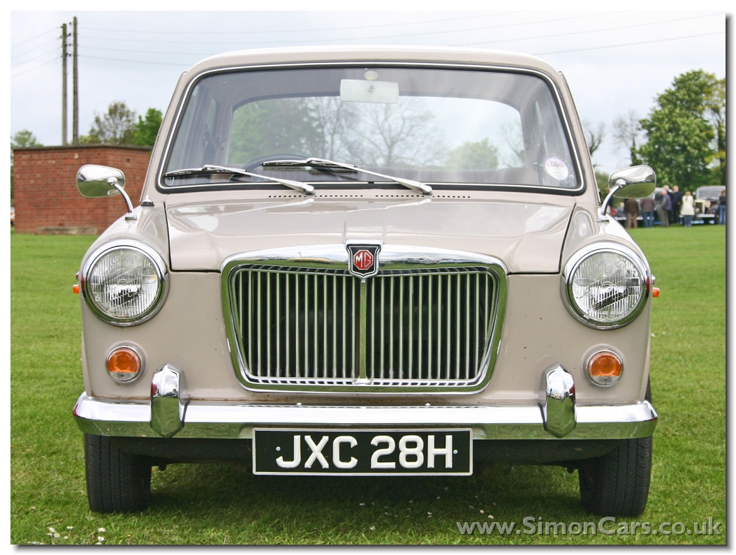MG 1300 MkII 2door. In June 1967 MG 1100s were available with optional