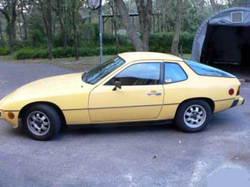 Model Porsche 924 is begining 1975 in Germany. The end of make is 1988.