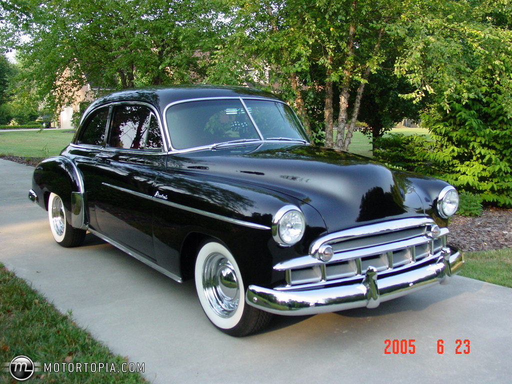 Chevrolet Styleline DeLuxe - cars catalog, specs, features, photos, videos,