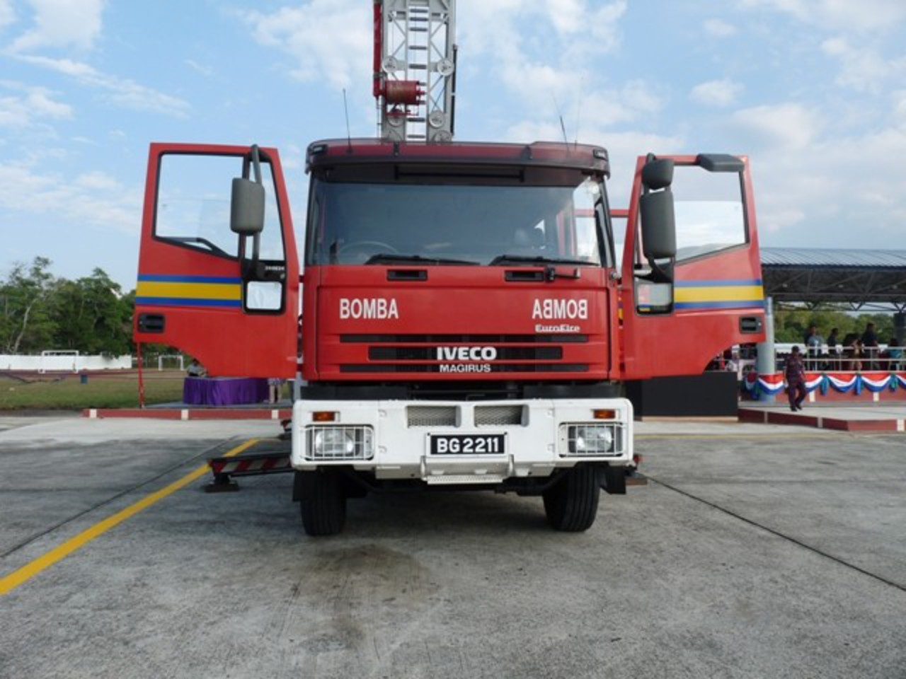 Iveco Eurofire/Magirus TTL2 front view. Front view of the Brunei Fire and